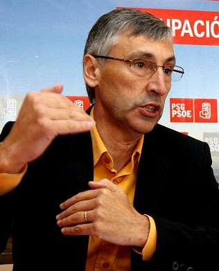 El lalinense Cristóbal Fernández Vázquez confirmó ayer la tramitación de su nombramiento como nuevo jefe provincial del Servicio de Costas de Pontevedra, ... - 20091003094343-a3c3f2-1-